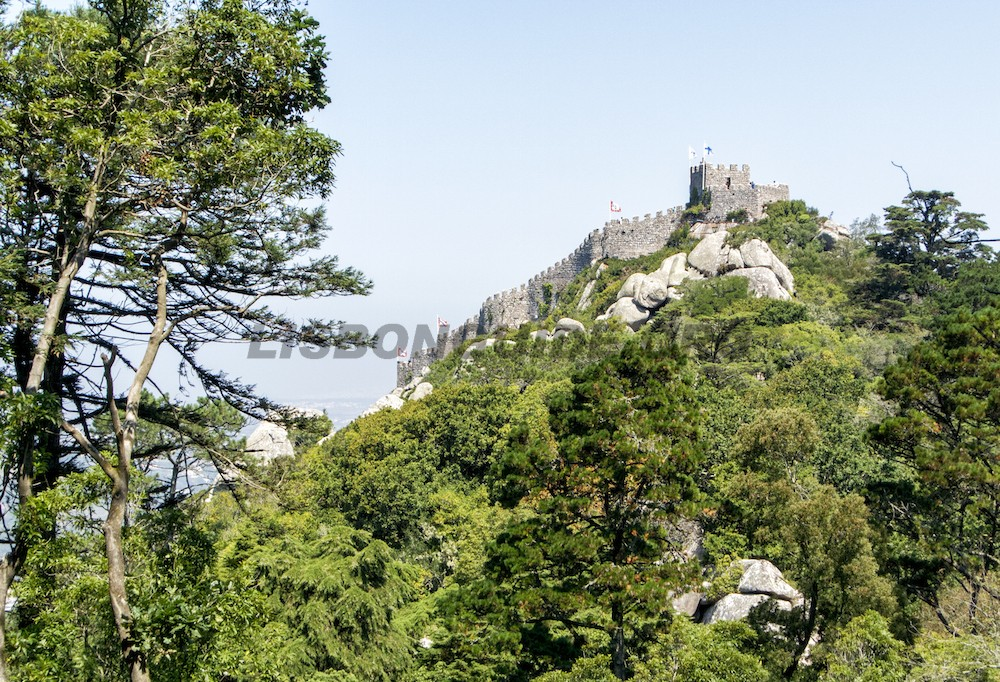 Sintra_Pena_Palace_Views_Castle