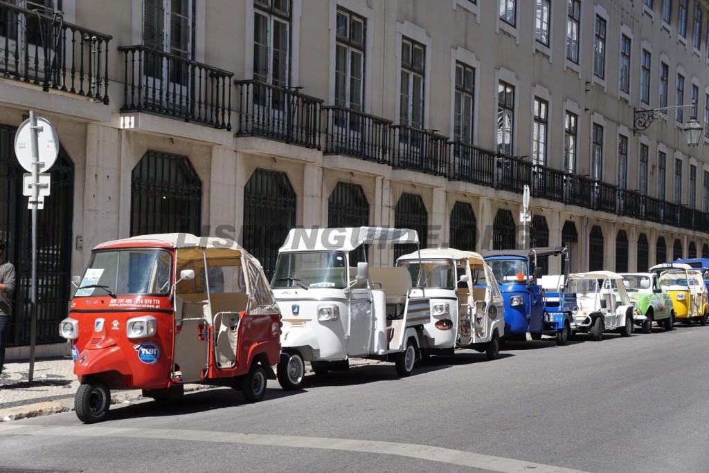 Tuk-Tuk-lisbon-tours
