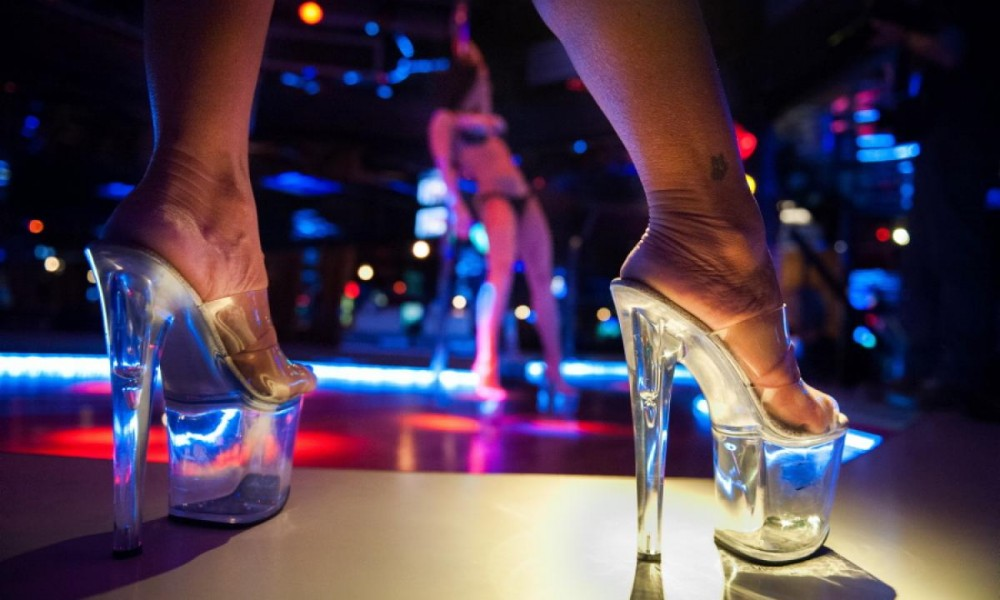 strip-clubs-lisbon-portugal