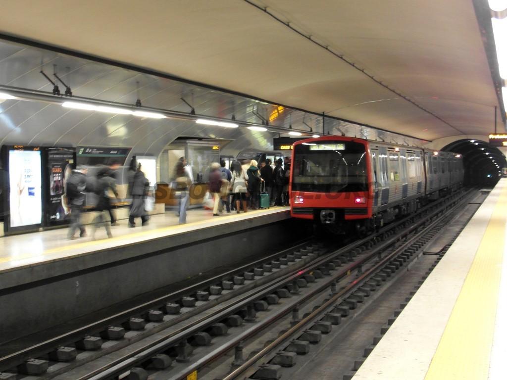 Lisbon_Metro_Subway_Tube