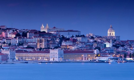 8-lisbon_downtown_alfama