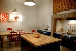 Lisbon_Lounge_Hostel_Kitchen