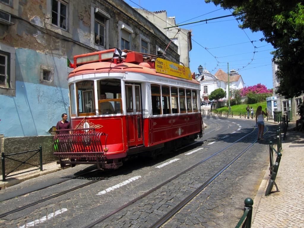 4-Lisbon_Tram
