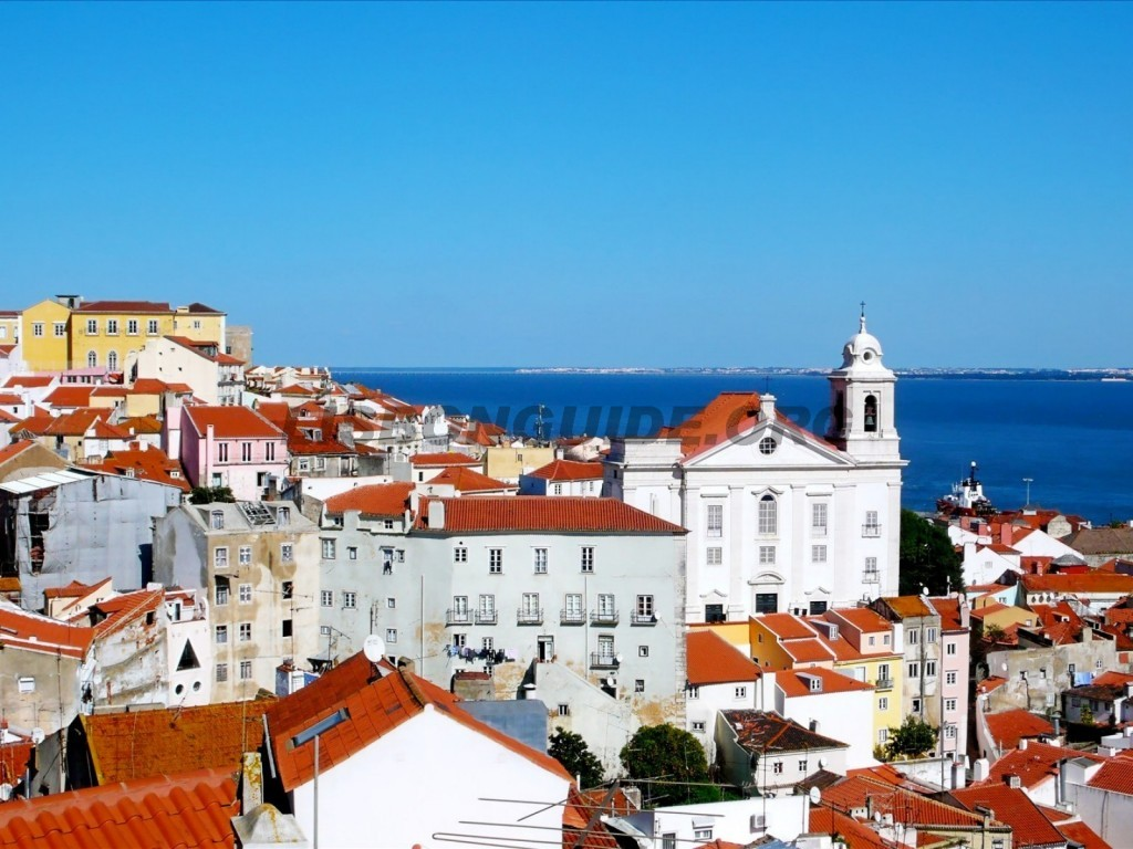 7-Lisbon_Alfama