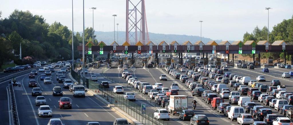 Traffic_Driving_Lisbon_Portugal