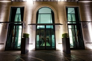 Hilton_Doubletree_Lisbon_Entrance_Location