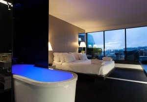 Hilton_Doubletree_Lisbon_Suite_Bedroom