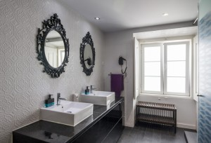Stay_Inn_Lisbon_Hostel_Bathroom