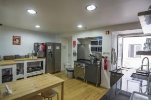 Stay_Inn_Lisbon_Hostel_Kitchen