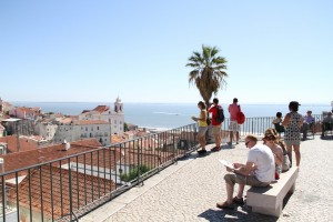 Portas_do_Sol_Lisbon_Viewpoint_Miradouro